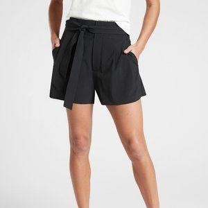 Athleta skyline paper waist active shorts size 0